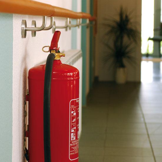 Feuerlöscher und Brandschutzdecken